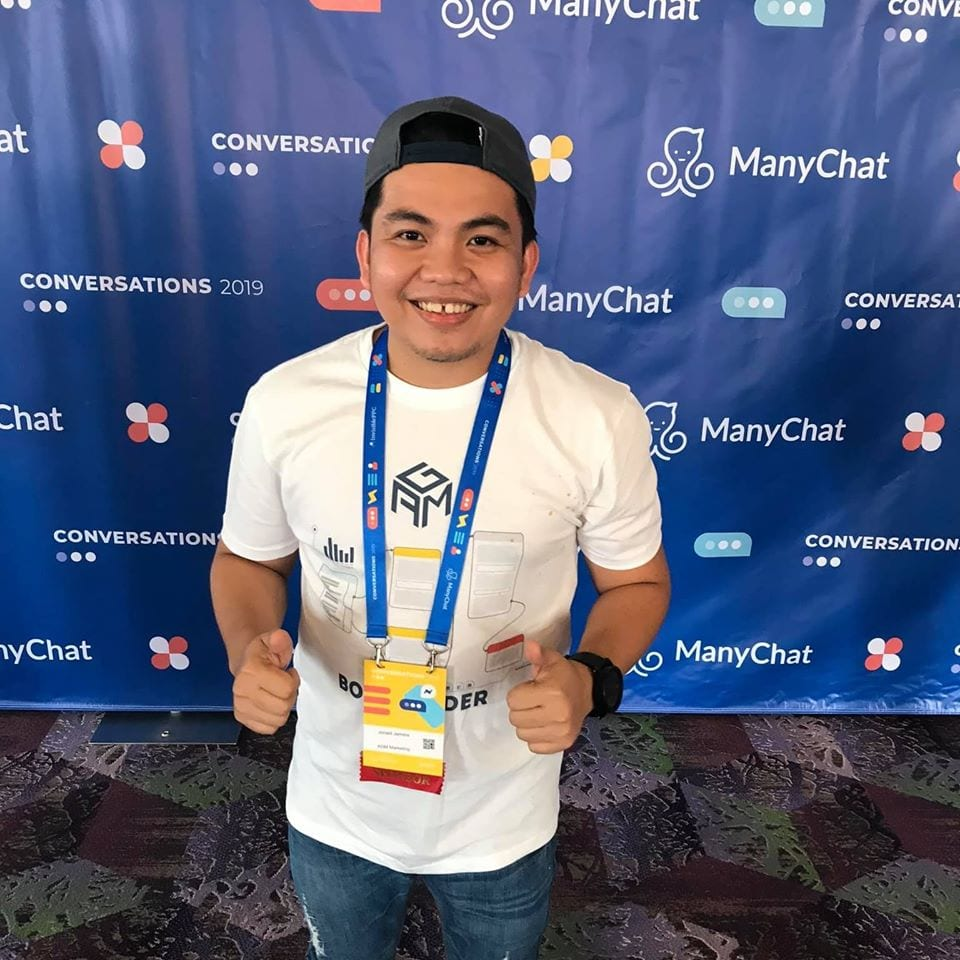 jonald jamora smiling on manychat convention conference